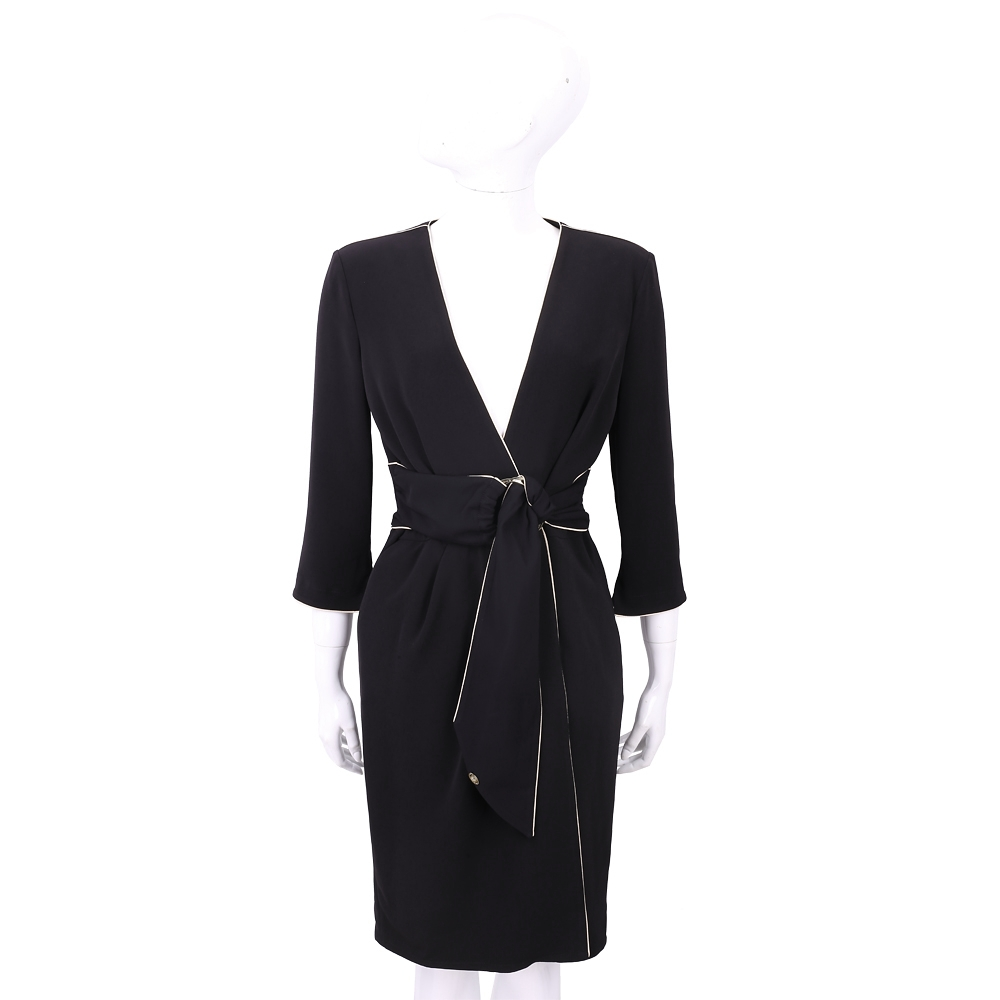 ELISABETTA FRANCHI 撞色線條鑲滾浴袍領黑色絲質洋裝