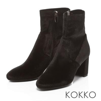 KOKKO- 尖頭天鵝絨拉鍊粗跟襪靴-太空黑