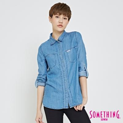 SOMETHING 休閒絆絆牛仔襯衫-女-漂淺藍