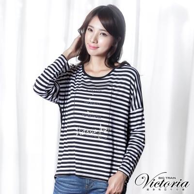 Victoria-前印圖條紋落肩寬鬆長袖T-女-黑白條