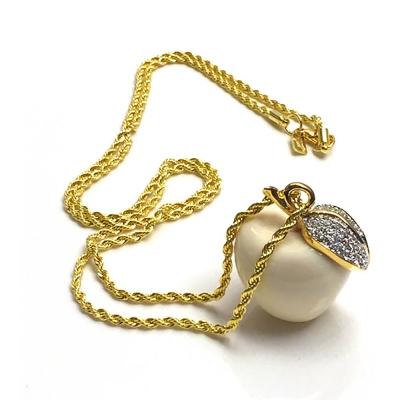 Kenneth Jay Lane好萊塢巨星最愛 蘋果項鍊 鑲K金水晶葉子 乳白色 附廠廠盒