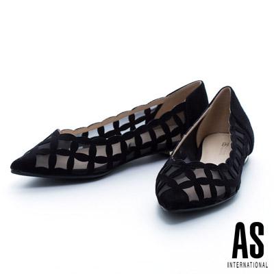 AS-輕盈鏤空造型羊麂皮尖頭平底鞋-黑