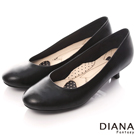 DIANA 超厚切領帶A款--第一代素面真皮跟鞋-黑