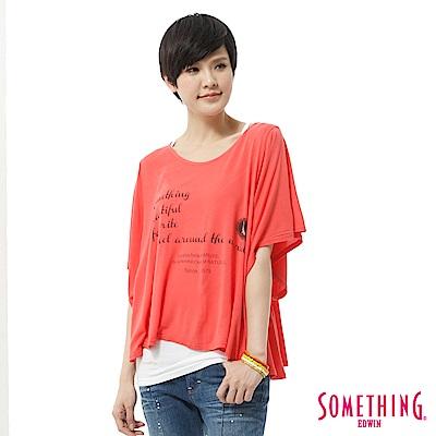 SOMETHING T恤 隨意自在印花垂袖造型T-女-桔紅