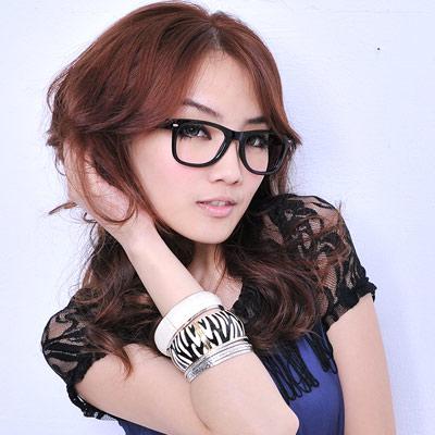 【Aimee Toff】普普風原色設計師款膠框眼鏡(黑)
