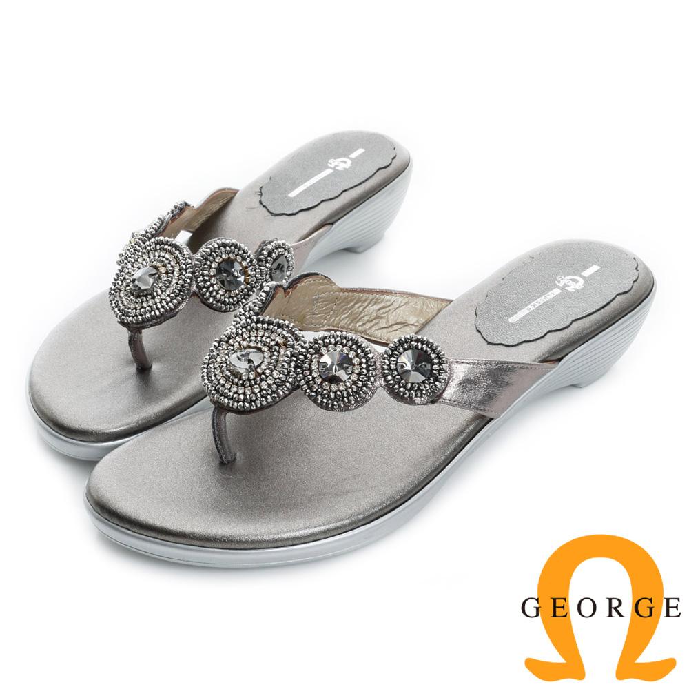 GEORGE喬治皮鞋-圓形水鑽裝飾夾腳低跟涼拖鞋-灰色