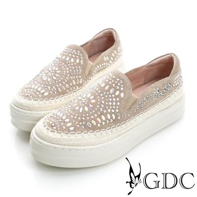 GDC舒適-民族風水鑽圖騰厚底真皮懶人休閒鞋-卡其色
