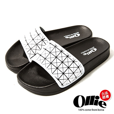Ollie韓國空運-正韓製幾何菱格紋寬帶涼拖鞋-白