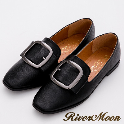 River&Moon俐落輕著.大方扣荔枝軟皮樂福鞋-黑