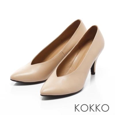 KOKKO - 復古經典尖頭牛皮V口高跟鞋-牛奶咖