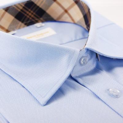 【金安德森】藍色斜紋布面質感隱藏式釘釦領內領圍飾經典格紋短袖襯衫