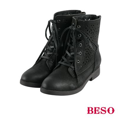 BESO花漾甜心 簍空雕花綁帶全真皮短靴~黑