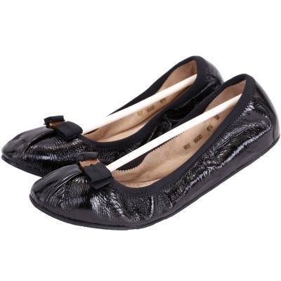 Salvatore Ferragamo MyJoy 漆皮摺紋芭蕾平底鞋(黑色)