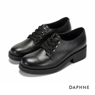 達芙妮DAPHNE 休閒鞋-方形飾孔繫帶粗跟休閒鞋-黑