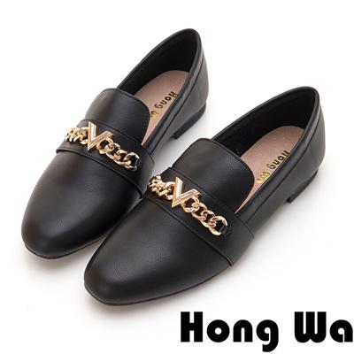 Hong Wa 極簡飾釦素面休閒跟鞋 - 黑