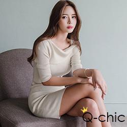 正韓 一字領五分袖針織洋裝 (共二色)-Q-chic