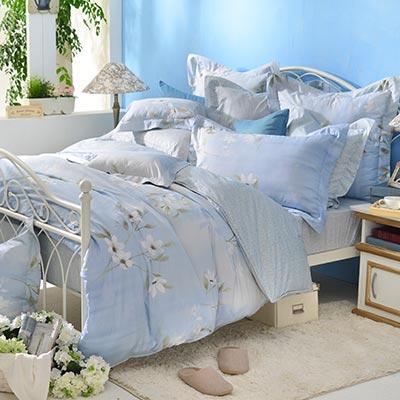 義大利La Belle 恬靜水芙 特大四件式防蹣抗菌舖棉兩用被床包組