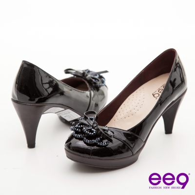 ee9-心滿益足-V口花朵珠鑽羊漆皮高跟鞋-優雅黑