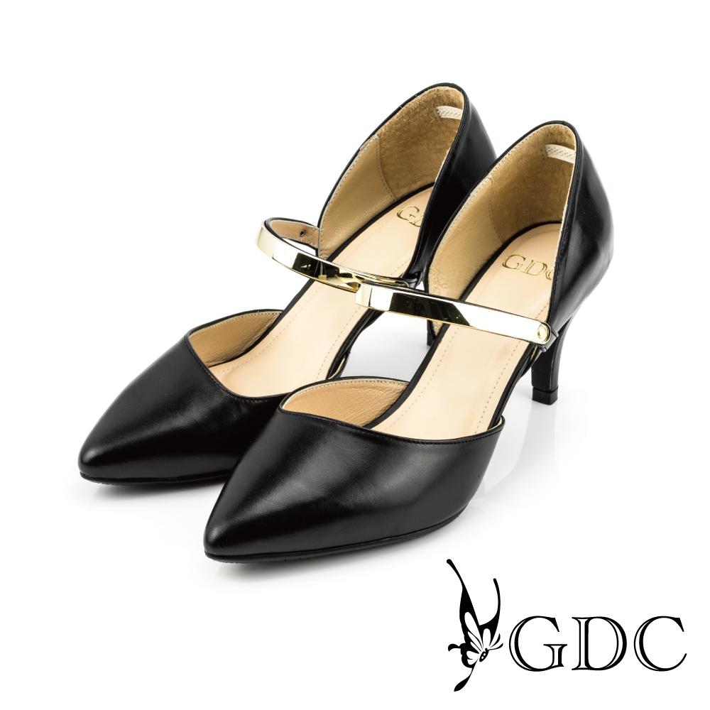 GDC-都會時尚金屬質感扣帶真皮尖頭高跟鞋-黑色
