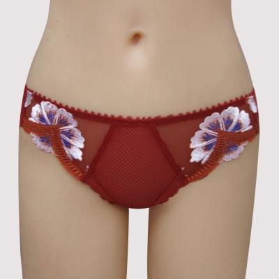 曼黛瑪璉-法式香吻高單刺繡  低腰三角網褲(深遂紅)