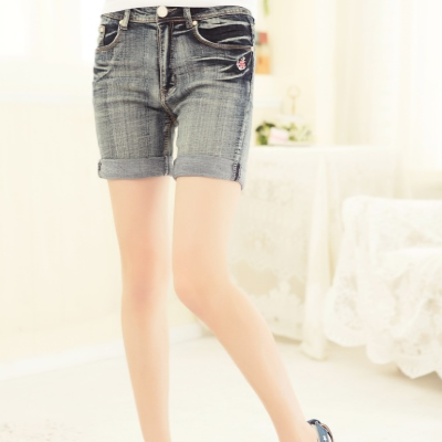 La-Belleza-俏麗曲線-迷你海錨LOGO灰藍刷色抓摺反折短褲