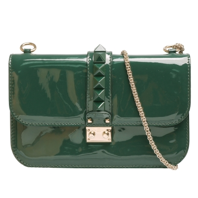 VALENTINO Glam Lock鉚釘造型小牛漆皮金屬鍊肩背包(綠)