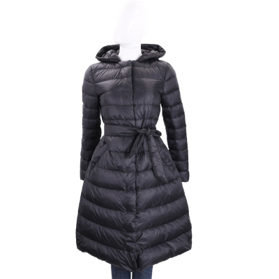 MARELLA 黑色連帽絎縫羽絨綁帶外套