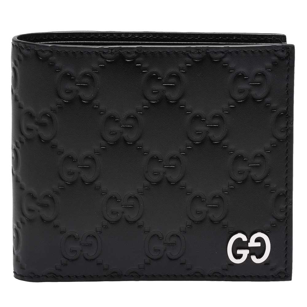 GUCCI 經典Signature系列GG壓紋銀色金屬LOGO牛皮折疊短夾(黑-8卡)GUCCI