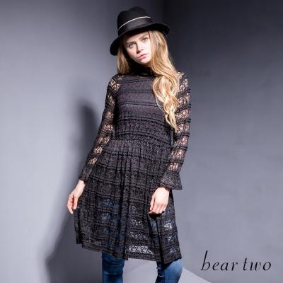 beartwo-浪漫縷空蕾絲小高領洋裝-黑色
