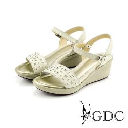 GDC-方形沖孔側扣帶真皮楔型厚底一字涼拖鞋-白色