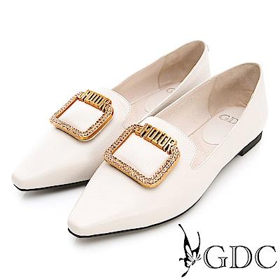 GDC-真皮歐美風金屬質感尖頭平底包鞋-米色