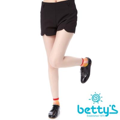 betty-s貝蒂思-花瓣褲管剪裁雪紡短褲-黑色