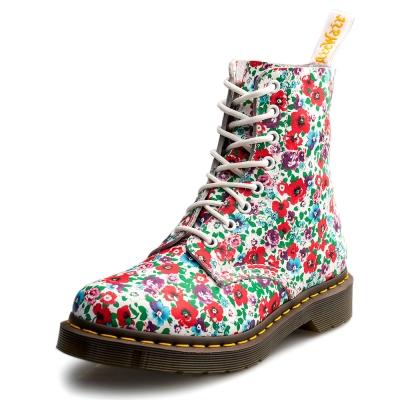 Dr.Martens-經典PASCAL8孔馬汀鞋-女款-碎花白