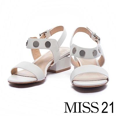 涼鞋 MISS 21 摩登率性一字帶鉚釘牛皮低跟涼鞋-白