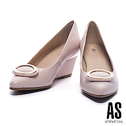 高跟鞋 AS 典雅質感金屬橢圓釦設計羊皮尖頭楔型高跟鞋-粉