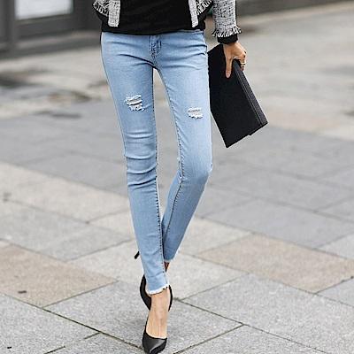 正韓 純色刷破抽鬚窄管牛仔褲 (淺藍色)-N.C21