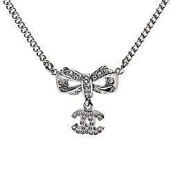 CHANEL 香奈兒經典蝴蝶結CC LOGO水鑽鑲嵌墜飾項鍊(銀)