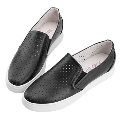 Robinlo & Co. 百搭沖孔造型真皮休閒平底鞋 黑色