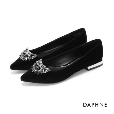 達芙妮DAPHNE-平底鞋-水鑽珠飾典雅尖頭鞋-黑