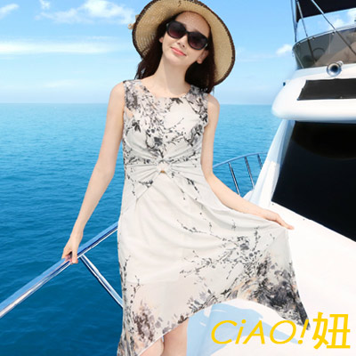 抓皺扣環不規則雪紡洋裝 (灰白色)-CiAO妞 holiday