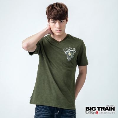 BIG TRAIN 天城騰龍V領TEE-男-軍綠