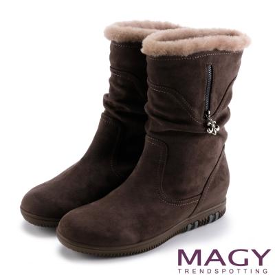 MAGY 暖冬時尚 2WAY抓皺捲毛內增高短靴-咖啡