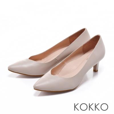 KOKKO日本彎折工藝- 經典尖頭透氣真皮高跟鞋- 淺灰