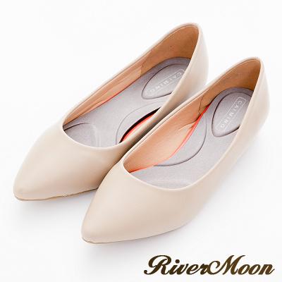 River-Moon跟鞋-舒壓彈性極簡素面尖頭機能跟鞋-卡其杏