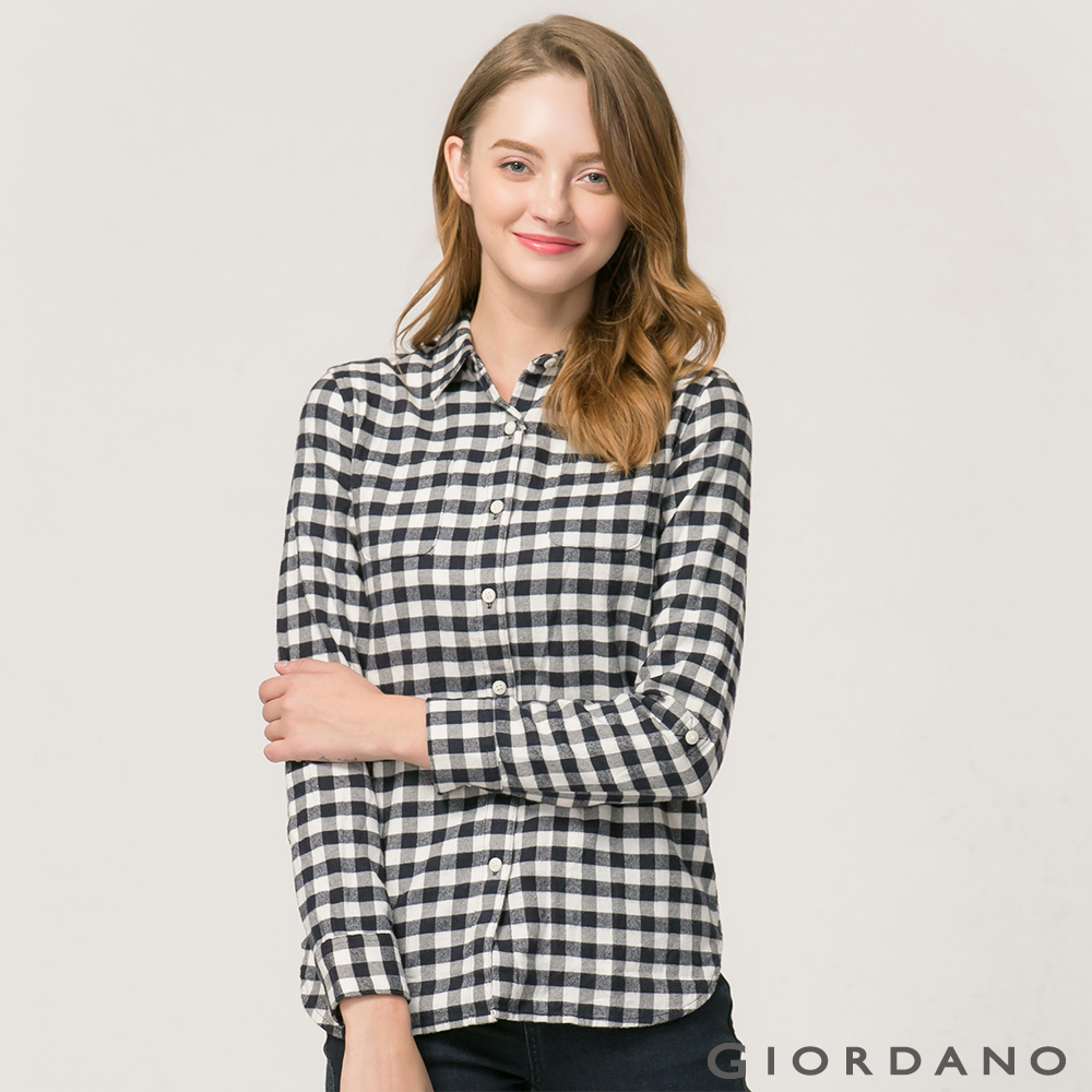 GIORDANO女裝法蘭絨純棉雙口袋可捲袖襯衫-06標誌黑皎雪格子
