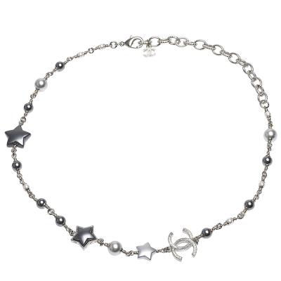 CHANEL 經典雙C LOGO五角星大小珍珠鑲嵌項鍊(灰X銀)