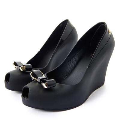 MELISSA-金屬夢幻蝴蝶結楔型魚口鞋-黑色