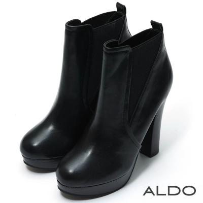ALDO 亮面黑色V型彈性防水台高跟短靴~尊爵黑色