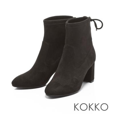KOKKO- 冬日印象微尖頭粗跟後綁帶襪靴-神秘黑