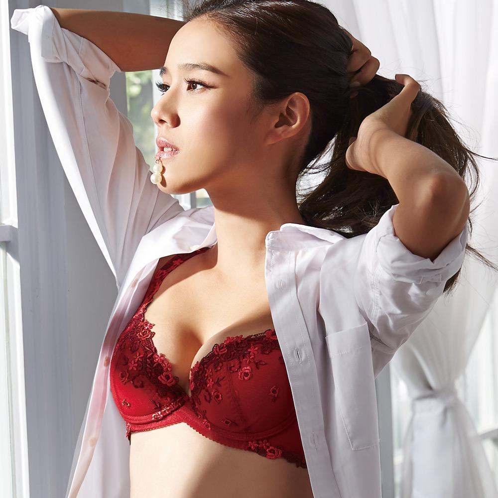 蕾黛絲-減壓靠過來 B-E罩杯內衣(熱情紅)